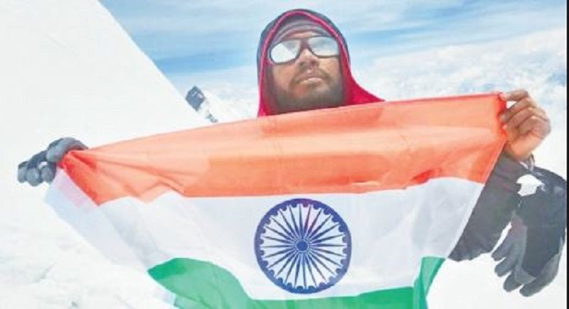 Death during  accident in Everest climb, seeking 10 lakh rupees to search dead body from father